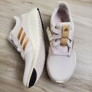 NWT Adidas Edge Lux 3 Bounce Running Shoes